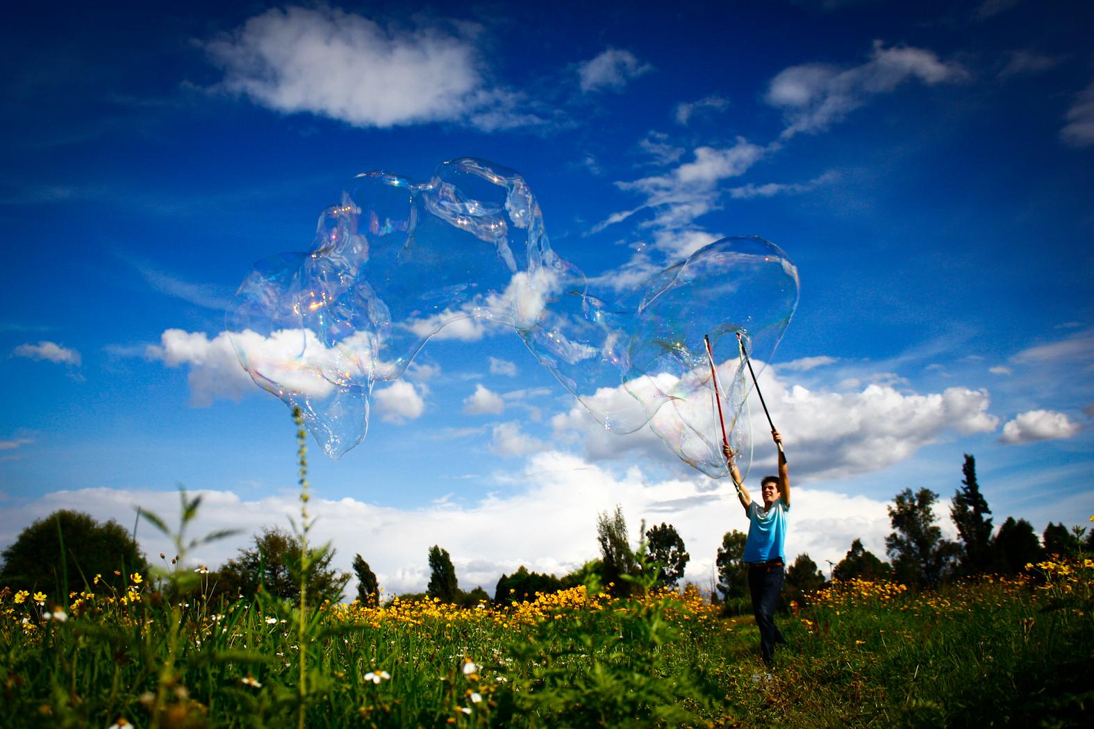 creacion de burbuja gigante
